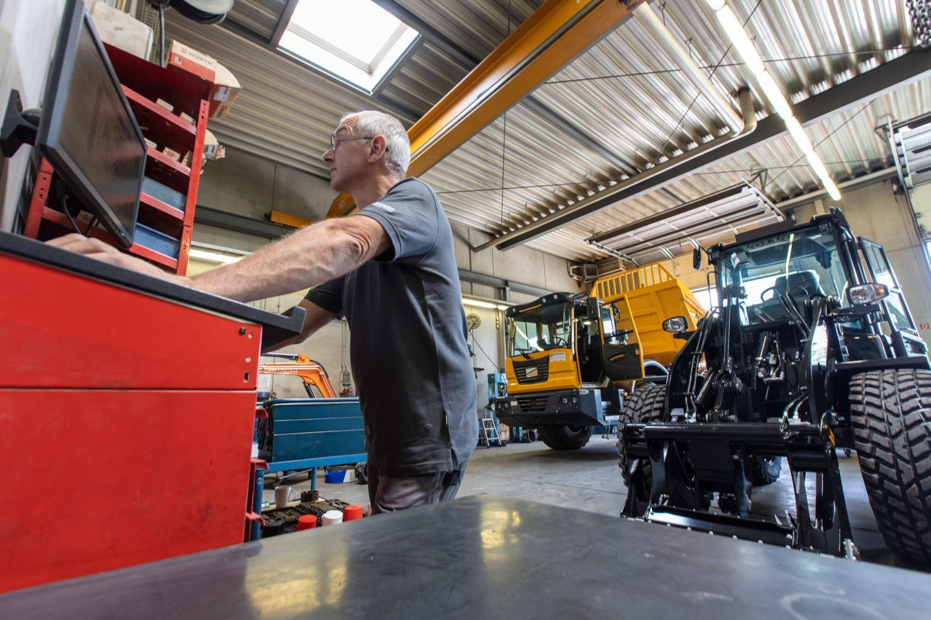 Werkstatt bei Brielmaier Baumaschinen